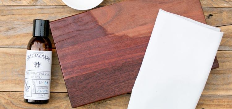 Occasionally Oil Your Wood Cutting Board & Bamboo Cutting Board