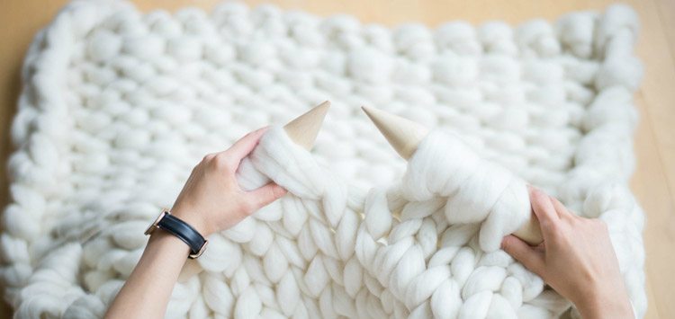 DIT Knotted Blanket