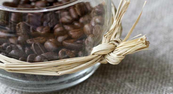 Make DIY Coffee Candles to Make your Home Smeel Nice