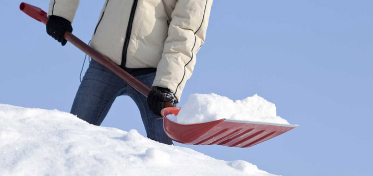 Tips for Shoveling Snow the Right Way